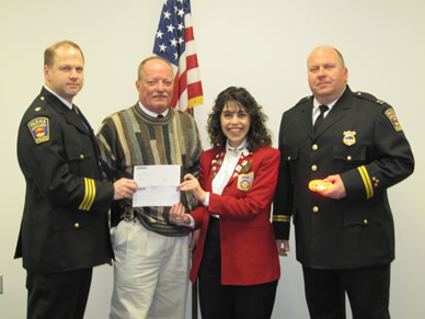 Parma Auxiliary Police Accepts Elks Lodge Grant